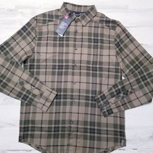 Under Armour M Fitted Plaid Button Down Shirt